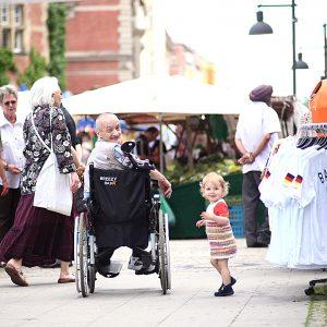 Spandau, Altstadt, Markt, Rollstuhl, Kind, Portrait, Revuenon 135 2.8
