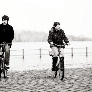 Fotograf Schönebeck, Hochzeitsfotograf, Elbe, Hochwasser, Samyang 85 1.4, Fahrrad, Elbufer, Salzblume