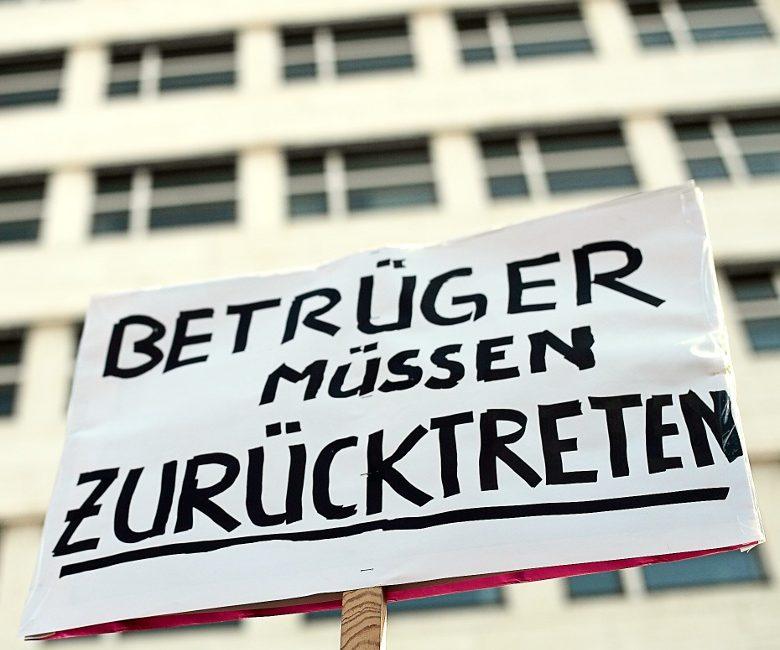 Zum Fall zu Guttenberg