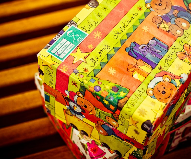 Weihnachten im Schuhkarton: vier plus neun